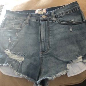 Pink distressed jean short